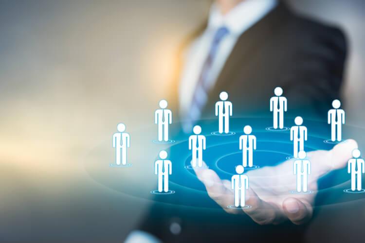 CRMマーケティングとは?戦略策定のポイントや実施の流れについて解説